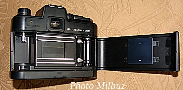 зеркальный фотоаппарат XX века